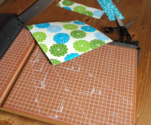 How to cut even triangles on slicer, http://www.chalkinmypocket.com