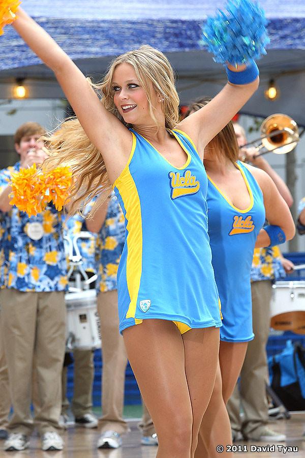 UCLA Dance Team 046