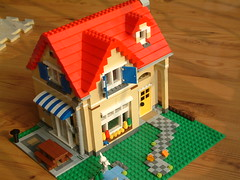 Lego mini house!