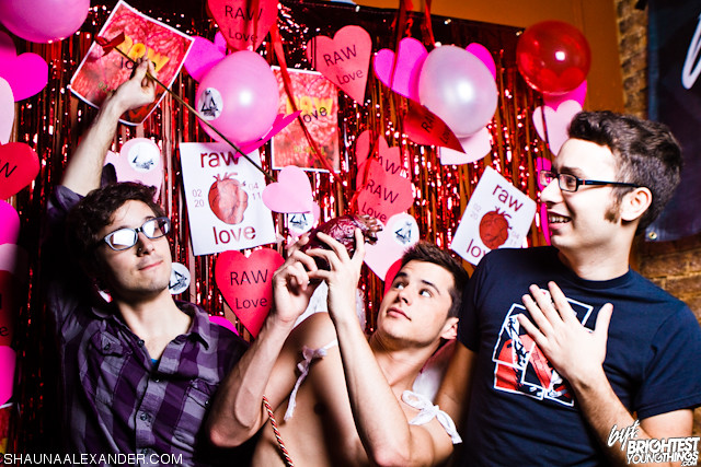A RAW VDay with BYGays-4001