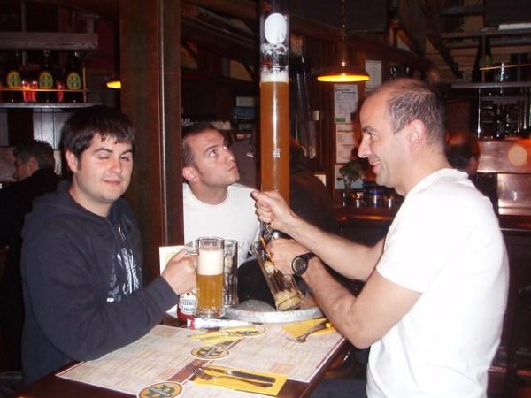 Pau, Flapy y Jorge en Les Brasseurs