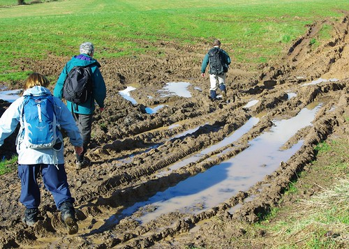 20110227-46_Mud - Farm in Newland Village by gary.hadden