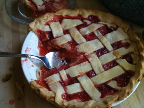 Strawberry-Rhubarb Pie by smwhitver