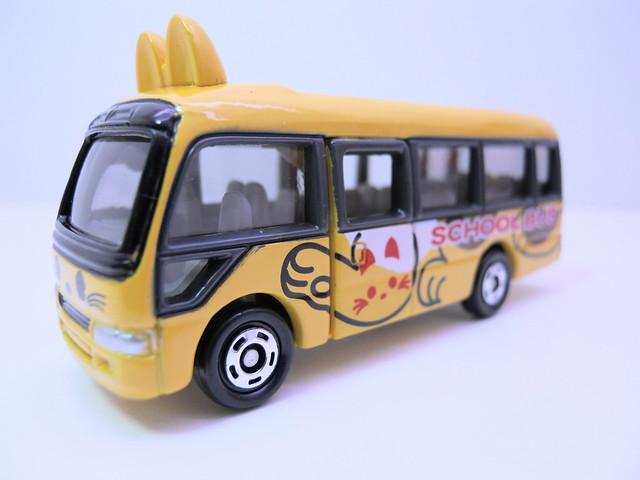 tomica tomy toyota coaster school bus (2)