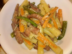 Pasta with sausage, carrots, and green beans t...