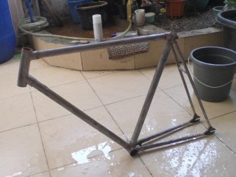 DIY: Repaint Your Fixie Frame #1