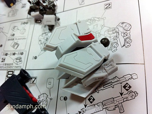 Building MC RX-93 Nu Gundoom Gundam (16)