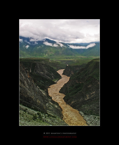 Archives_2005_to_Present #130 - Of Mountains, Clouds and Meandering Rivers by kuantoh