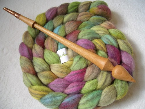 Gripping Yarn Rose in Cherry