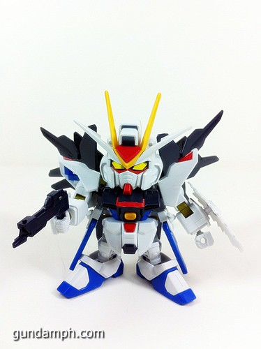pics SD Strike Freedom Gundam (1)