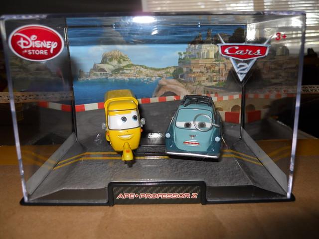 DISNEY STORE CARS 2 APE & PROFESSOR Z