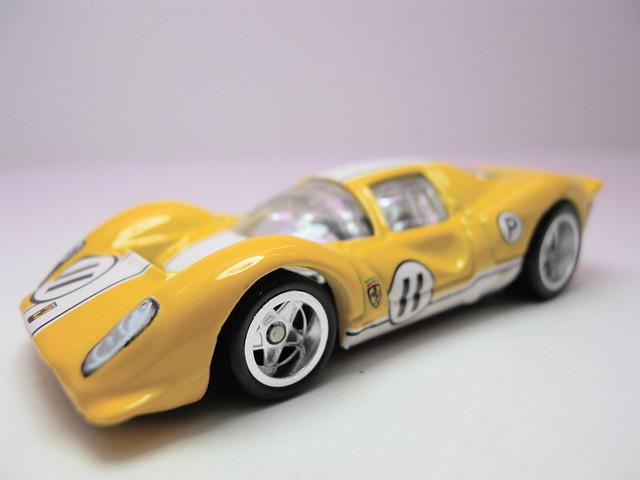 hot wheels garage ferrari 333 P4 yellow (3)