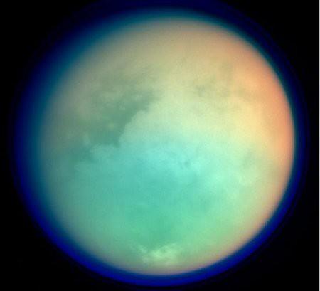 Titán por Cassini