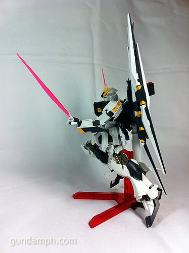 Building MC RX-93 Nu Gundoom Gundam (22)