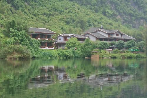 Yangshuo Mountain Retreat on Yulong River