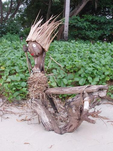 201101280160_beach-sculpture