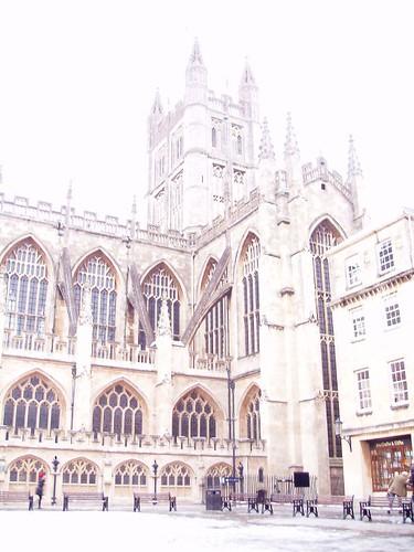 201012220114_Bath-abbey