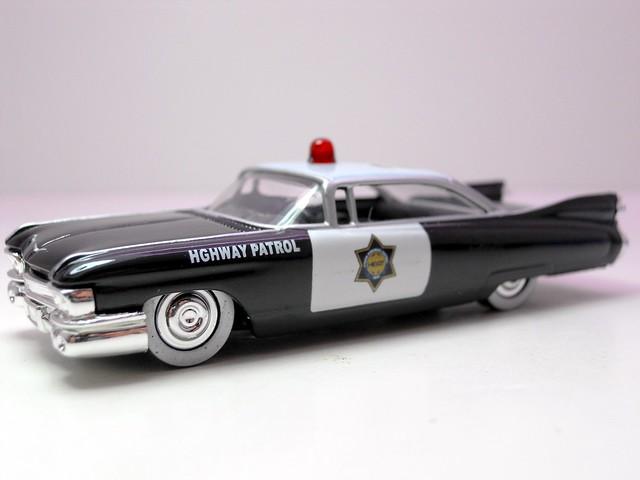 jada toys heat '59 cadillac el dorado police 2 (2)