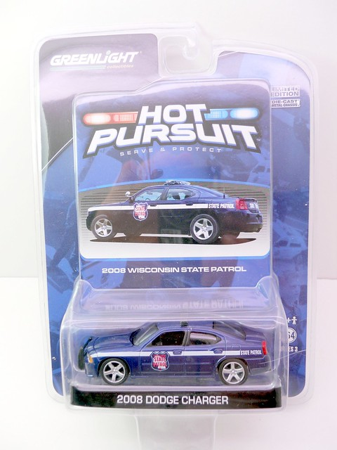 GREEN LIGHT HOT PURSUIT 2008 WISCONSIN STate patrol DODGE CHARGER POLICE CAR  (1)