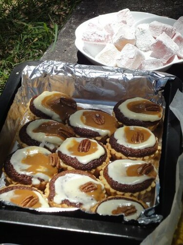 Caramel/pecan tartlets
