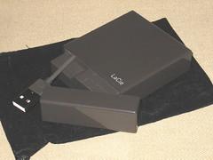 20080203:本体のわりに袋が異様にでかい:Lacie Little Disk, Design by Sam Hecht(301271J)