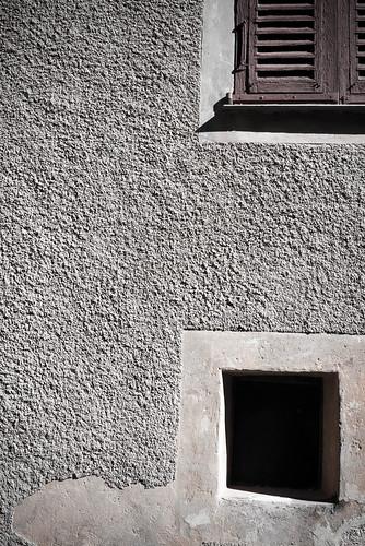 Eze Wall
