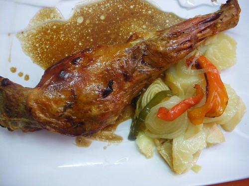 Paletilla de cabrito asado al estilo castellano