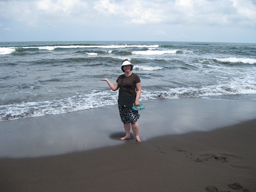 I meet the Caribbean for the first time. It is crazy rough oceans there in Tortuguero