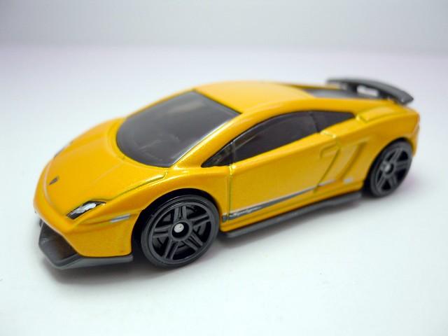 hot wheels lamborghini gallardo lp 570-4 superleggera orange (2)