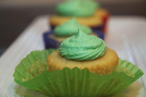 vanilla bean coconut cupcake unwrapping