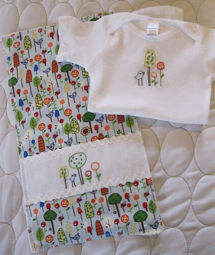 trees n'flowers onesie/burp cloth set
