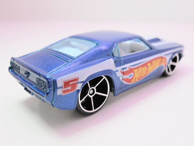 hot wheels '68 FORD mustang blue (3)