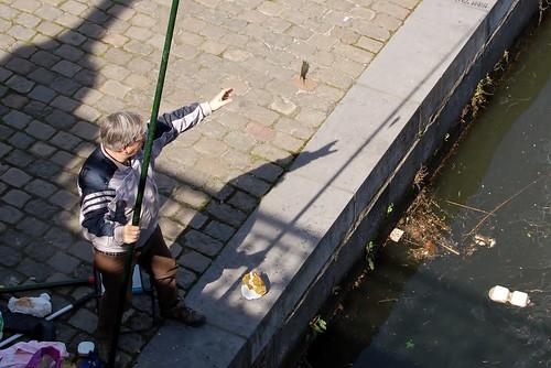 een visser aan de korenlei