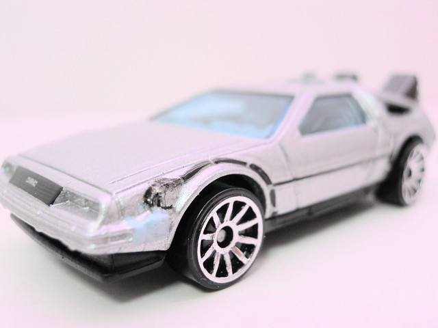 hot wheels back to the future time machine (5)