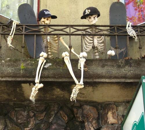 sk8boardin' skeletons by dyannaanfang