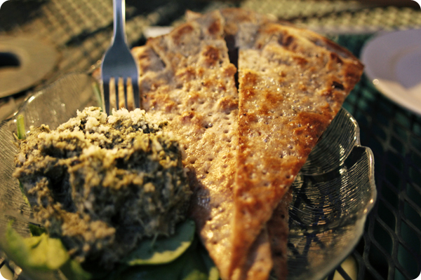 Vegan Artichoke Dip with Flatbreat