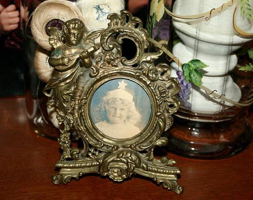 Vintage Cherub Frame