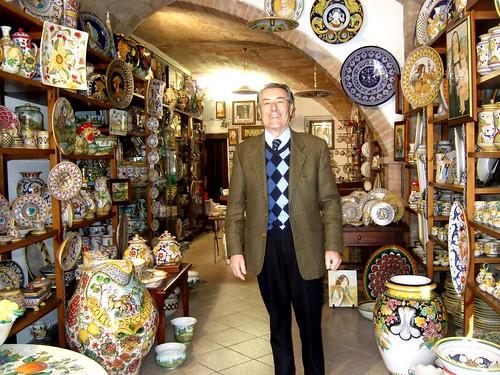 Ceramics shop in Deruta
