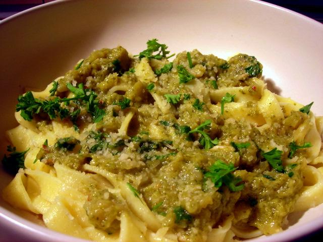 Tagliatelle with broccoli 'pesto'