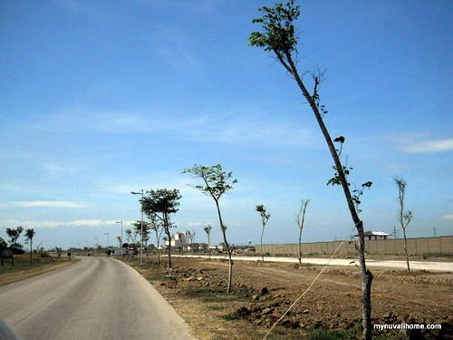 Nuvali Roads - Apr2011