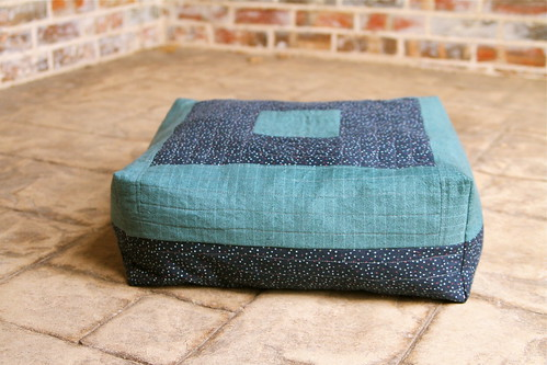 Pet Bed out of Scraps