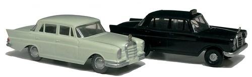 Siku Mercedes 220 & 190 taxi (1)