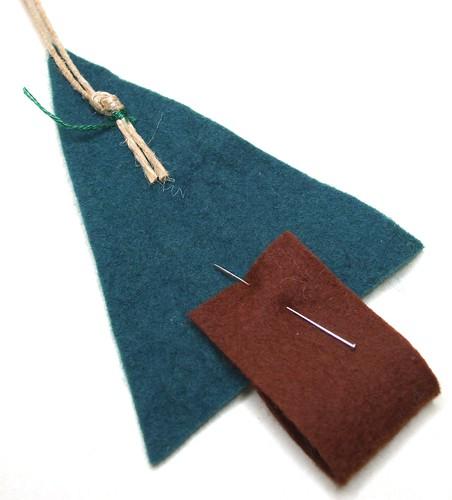 Hand sewn felt Christmas tree tutorial step 2