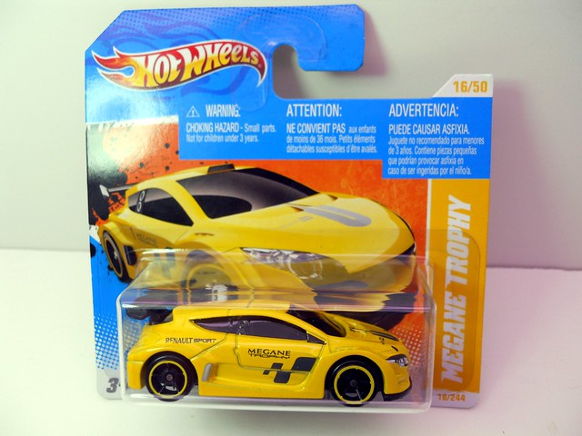 hot wheels megane trophy (1)
