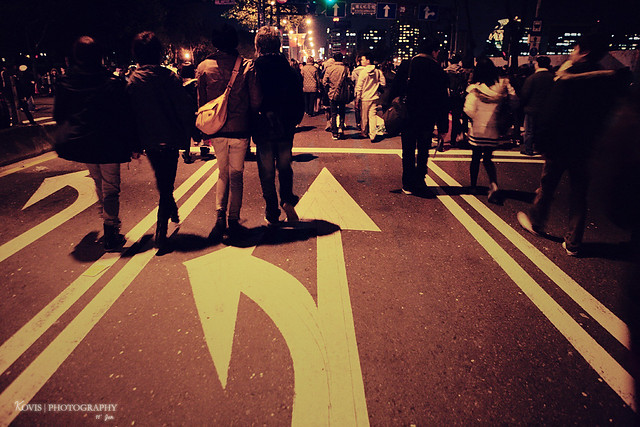 照片依然為Kovis小柯老師熱情贊助,圖為跨年後之忠孝東路散步團。