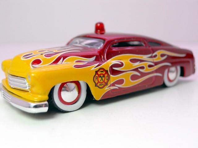 jada toys heat '51 merc fire (2)