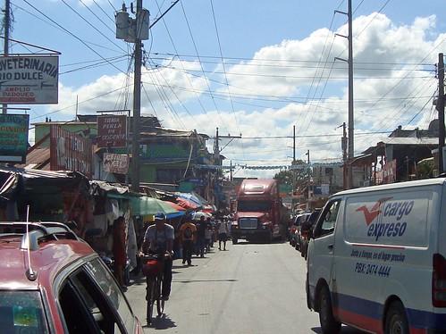 Hauptstrasse von Rio Dulce