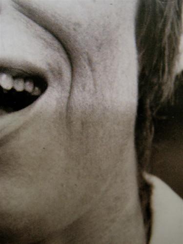 Franca Valeri, Bugiarda no, reticente, Einaudi 2010; [responsabilità grafiche non indicate], alla cop.: [ritr. fotog. b/n dell'autrice] PhotoserviceElecta / Mondadori Vintage Collection, cop. (part.), 6
