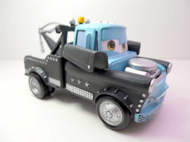 Disney Store CARS Heavy Metal Mater (1)