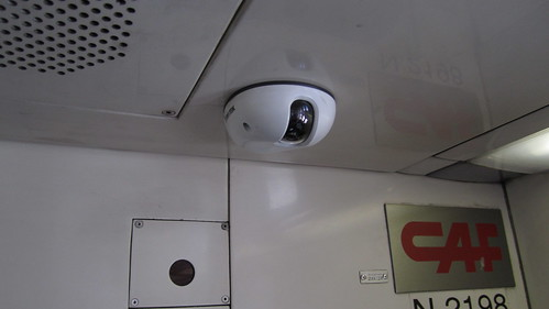 Dos cámaras por vagón